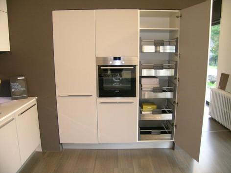 il segno particolare di questa nuova cucina elektra la finitura ...