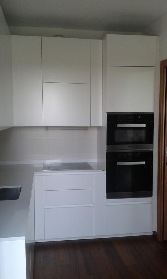 ernestomeda cucine ernestomeda e camerette cityline arredamento cucine moderne ernestomeda. Black Bedroom Furniture Sets. Home Design Ideas