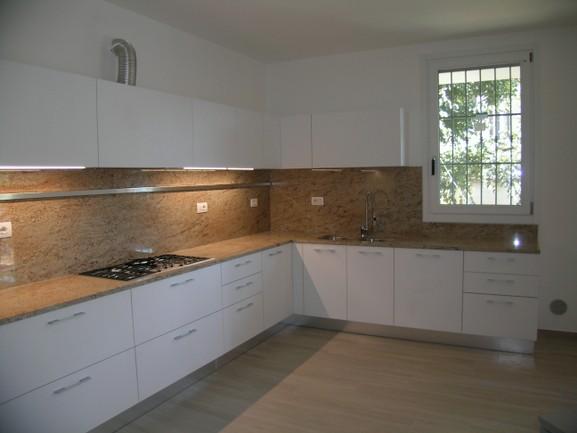 Piano cucine ernestomeda e camerette cityline arredamento cucine moderne ernestomeda - Piano cucina in granito ...