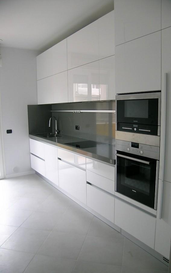 Cucina Moderna Laccata Bianca.Lucido Cucine Ernestomeda E Camerette Cityline