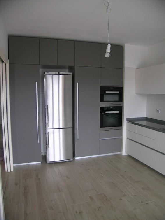 Cucine moderne con frigo esterno bj89 regardsdefemmes for Arredamento it forum